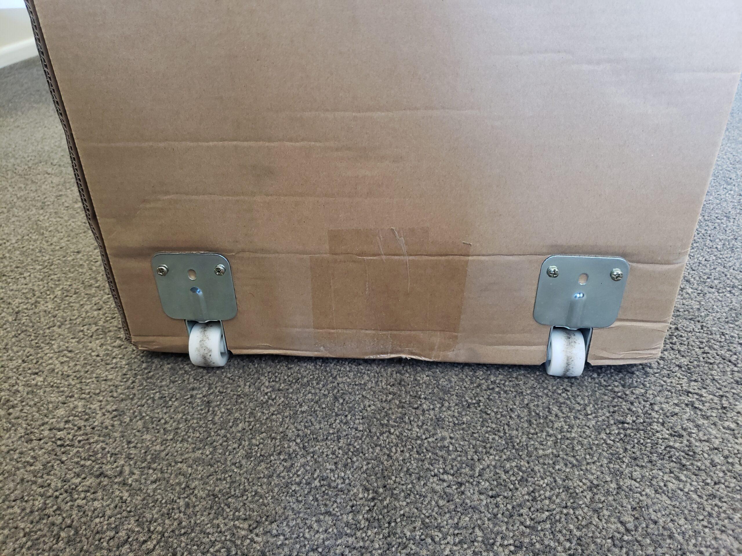 The Peacelily Mattress Box Has Wheels